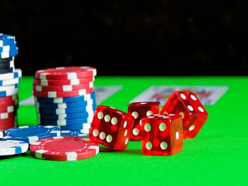 Three New Yr's Poker Resolutions You Possibly Can Keep Playing